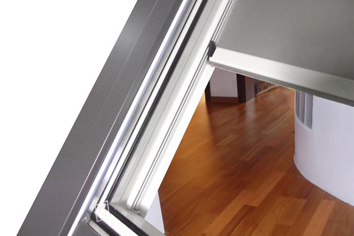 Tenda per velux varie misure e modelli tenda per finestre - Finestre velux misure ...